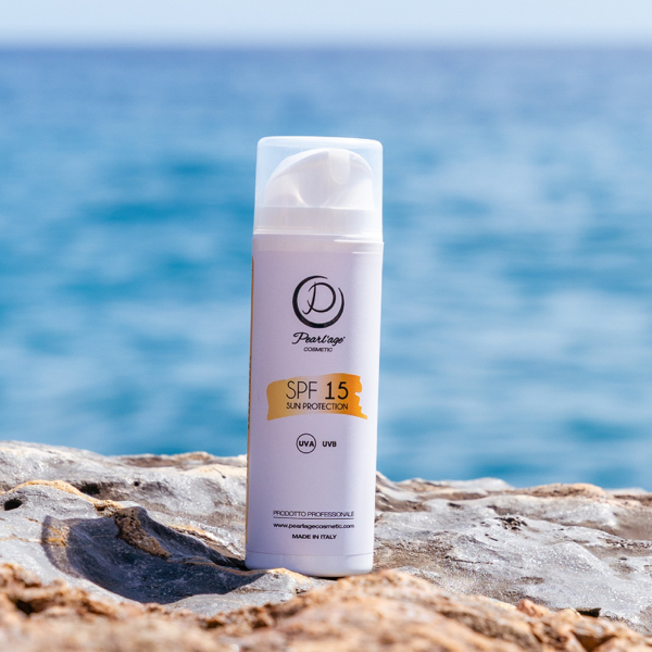 SPF 15 crema solare protezione 15 pelle abbronzata
