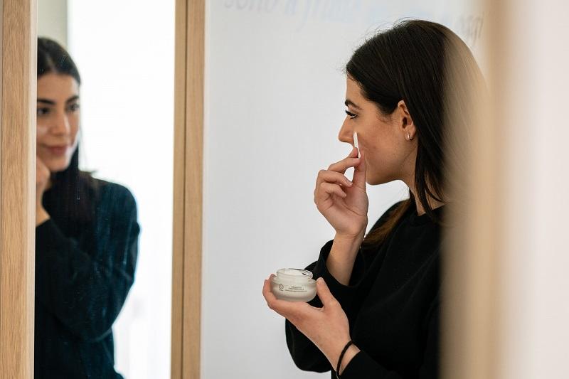 come prevenire le rughe applicazione crema